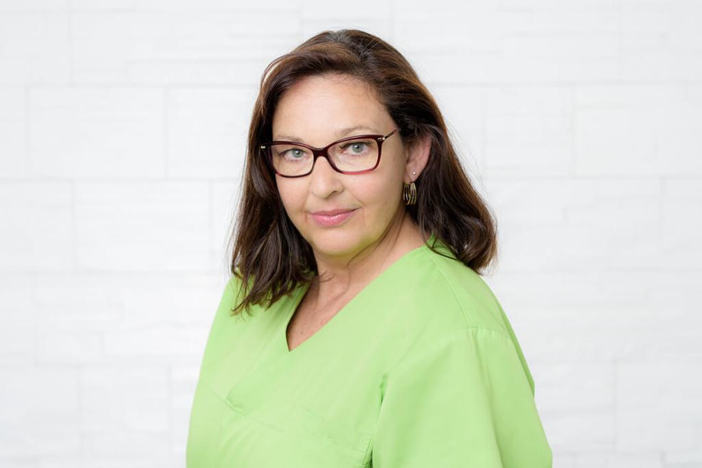 Zahnarzt Köln-Ostheim - Kroll & Apostologlou - Team - Anne