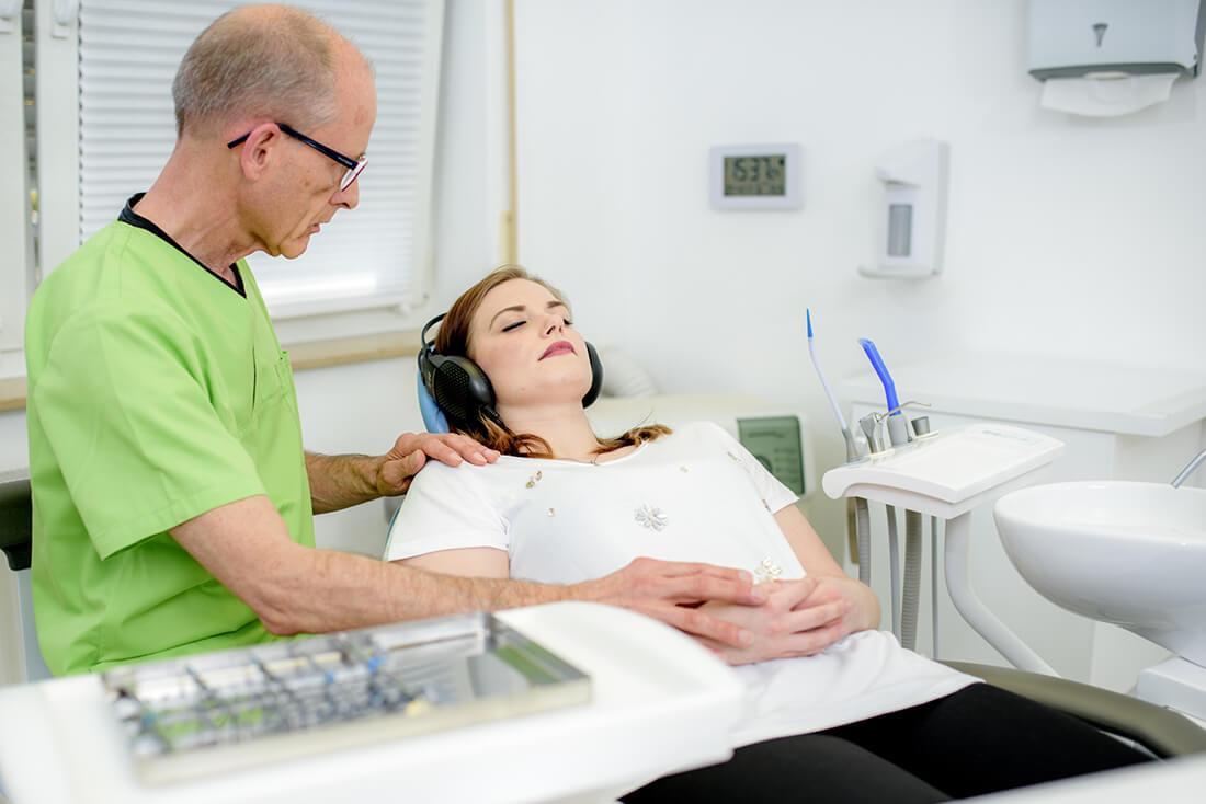 Zahnarzt Köln-Ostheim - Kroll & Apostologlou - Leistungen - Hypnose bei Angstpatienten